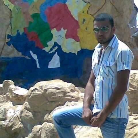 عيترون تزف الشهيد المغدور مروان عيسى الذي فُقد أمس السبت في مخيم عين الحلوة ووجد مقتولا داخل المخيم