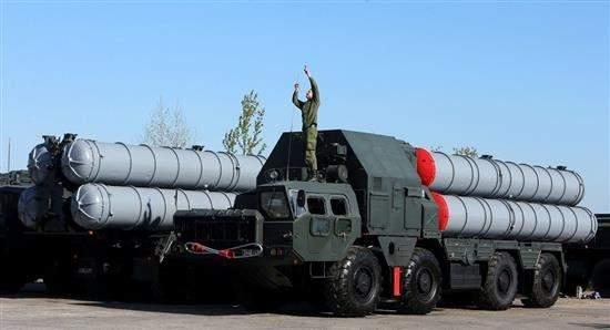 روسيا تمهّد لتسليم إيران «أس 300»/ واشنطن وتل أبيب قلقتان..ولافروف يذكّر بأنها دفاعية