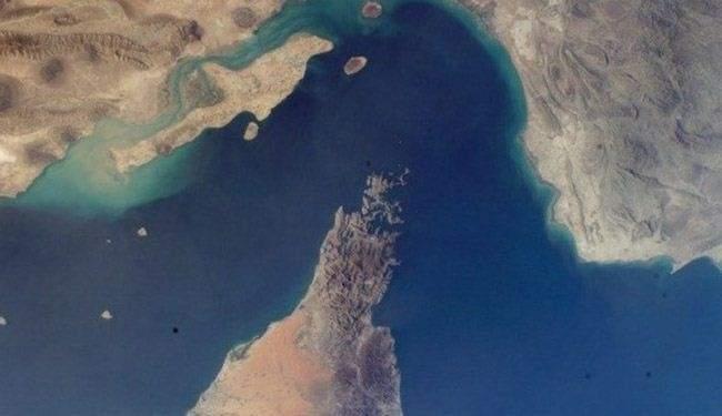 تفاصيل احتجاز البحرية الايرانية لسفينة اميركية في مضيق هرمز