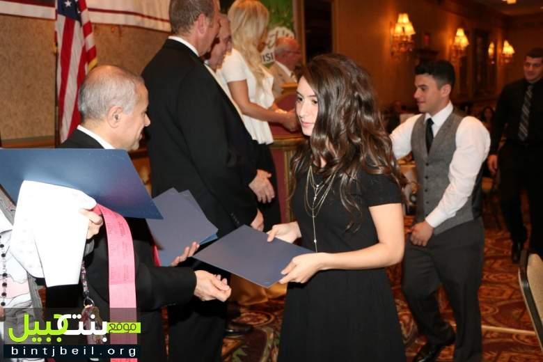 بالصور / نادي بنت جبيل الثقافي الاجتماعي في ديربورن احتفل بعيده الـ 21  وزع  منحاً دراسية على الطلاب المتفوقين