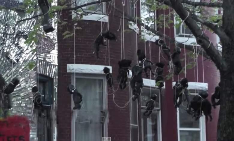 دُمى سوداء معلقة على الأشجار احتجاجا على وحشية الشرطة الأميركية