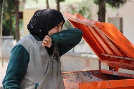 أميرة تأكل من القمامة.. الإعلام التركي يتقصّى