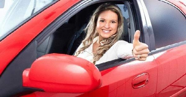 مفاجأة: النساء أفضل في قيادة السيارات