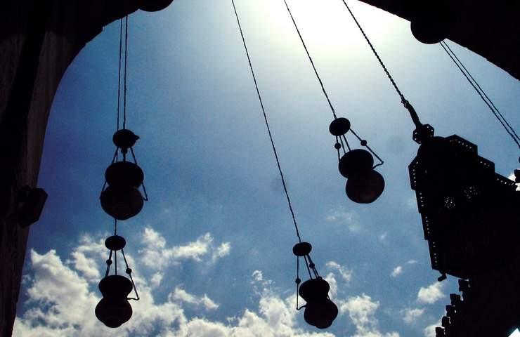 (رمضان في الامثال الشعبية) : الصوم بلا صلاة مثل الراعي بلا عصاه ،ورمضان عذر البخيل !