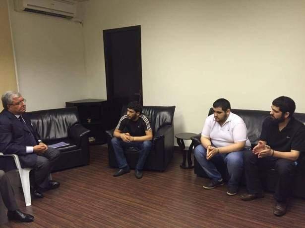 المشنوق التقى السجناء الذين تعرضوا للضرب: لن أسمح بخطأ جديد