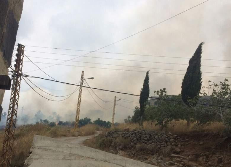 حريق في خراج السنديانة في عكار وصل الى المنازل
