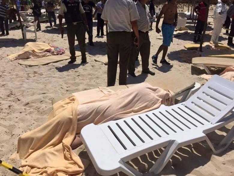 (جمعة الدم) : داعش يضرب في فرنسا ويُفجّر بالكويت ويُهاجم في تونس .. والحصيلة عشرات الشهداء و مئات الجرحى