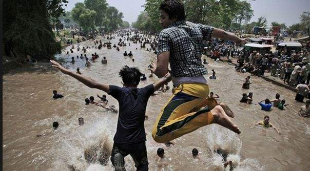 حرارة الطقس تحصد أكثر من 1200 باكستاني