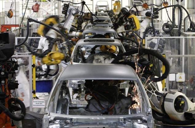 روبوت «يقتل» عاملا في مصنع للسيارات