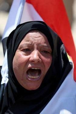 يوم دامٍ في مصر: إنها الحرب   16 هجوماً و4 ساعات اشتباكات