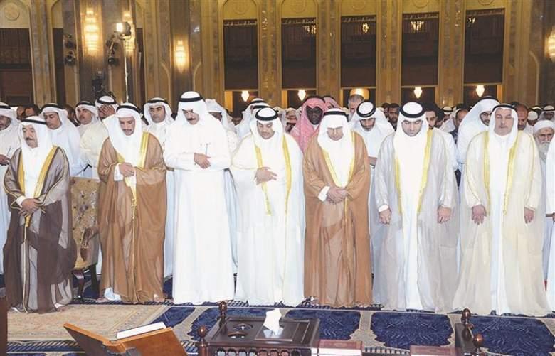 صلاة جامعة في مساجد الكويت والبحرين