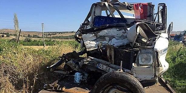 15 قتيلا في حادث سير غربي تركيا