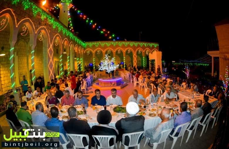 بالصور والفيديو /  افطار رمضاني حاشد في مسجد الصادق (ع) بنت جبيل