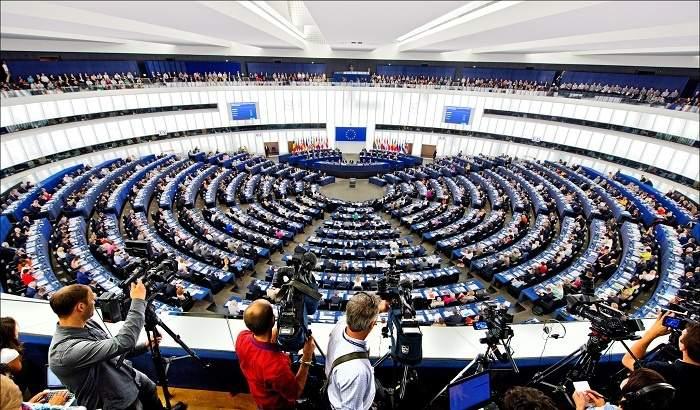 البرلمان الأوروبي يندّد بالعدوان السعودي على اليمن: أنتج بيئة خصبة لتنامي نشاط القاعدة و داعش