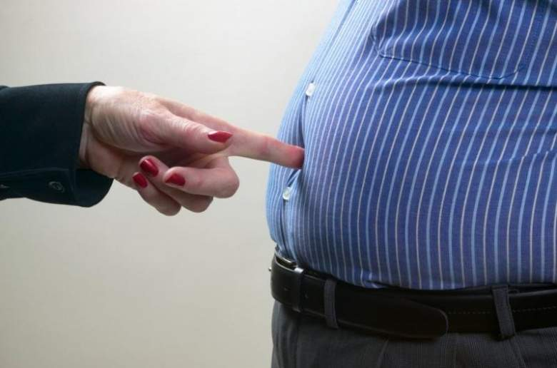 8 أسباب تؤدي إلى زيادة دهون البطن