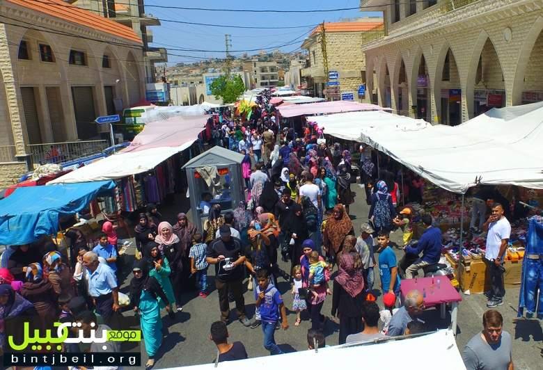 بالصور / بنت جبيل تستعيد صِباها و ترفع الحظر عن ازدهارها.. حضور اغترابي كثيف وحركة نشطة عشية العيد