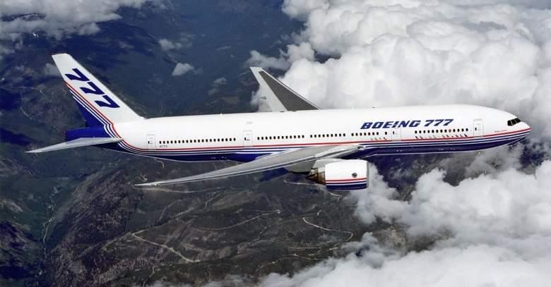 بوينغ تطلق تحذيرا بشأن طراز 777 بعد سقوط قطعة معدنية من طائرة في شانغهاي