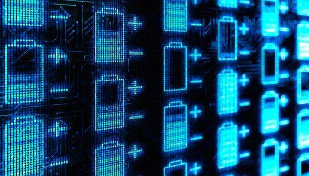 هكذا يُمكن اختراق هواتفكم وحواسيبكم...عبر عُمر البطارية!