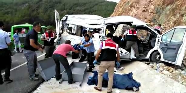 مقتل 9 لاجئين سوريين في حادث سير في تركيا