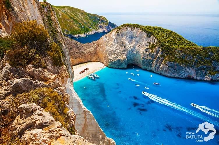 زاكينثوس وسانتوريني، جُزر الأحلام اليونانية
