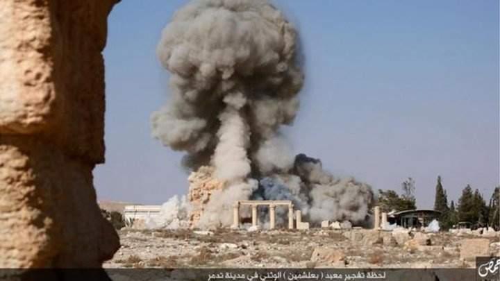 """داعش ينشر صور تدمير معبد """"بعل شمين"""" في سوريا"""