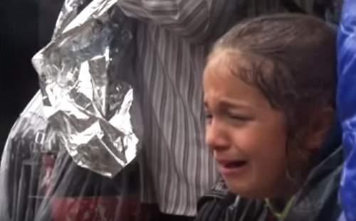 بالفيديو/ شرطة مقدونيا تستقبل اللاجئين بالضرب