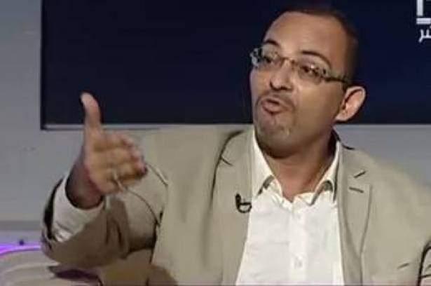 """فلكي مصري يتنبأ بقصف تنظيم """"داعش"""" للكعبة بصواريخ سكود (فيديو)"""