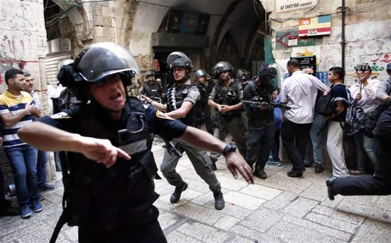 """تحذير أممي من انفجار يتعدى أسوار القدس/ الاحتلال يحاول كسر مقاومة """"الأقصى"""""""