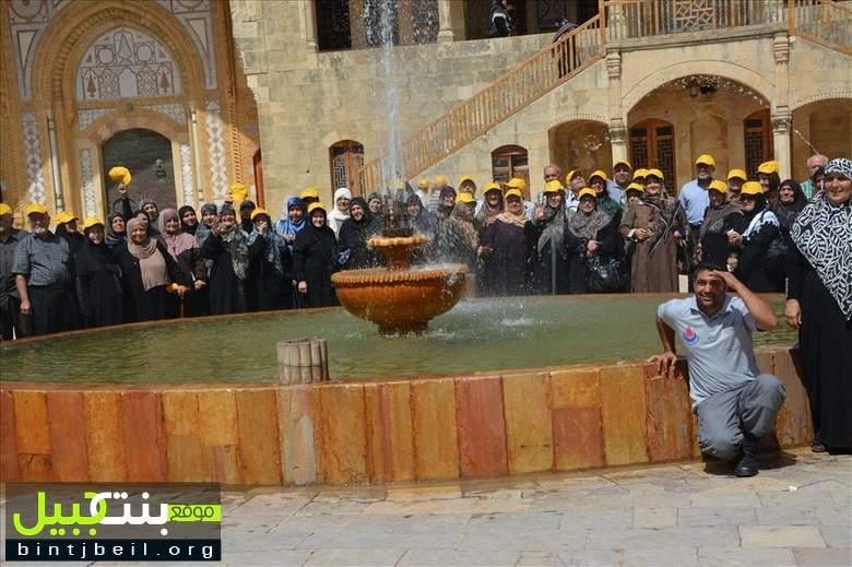 اتحاد بلديات قضاء بنت جبيل ينظم جولة سياحية إلى قصر موسى وبيت الدين ومقام النبي ساري للمسنين و المسنات