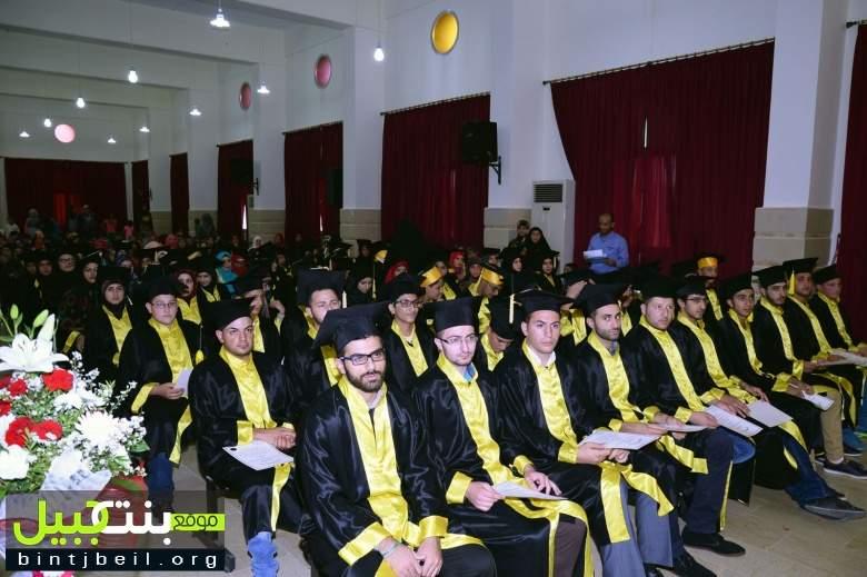 بلدية الطيري كرمت الطلاب الناجحين بالشهادات الرسمية