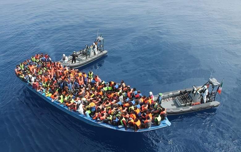 انقاذ اكثر من 1100 مهاجر في المتوسط