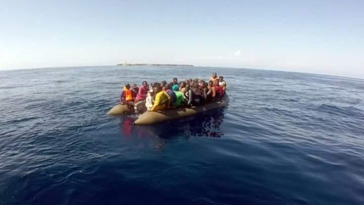 انقاذ 115 مهاجرا مغربيا قبالة السواحل الاسبانية