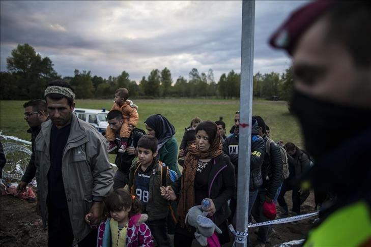 المجر تبدأ في إغلاق حدودها مع كرواتيا لعرقلة تدفق اللاجئين