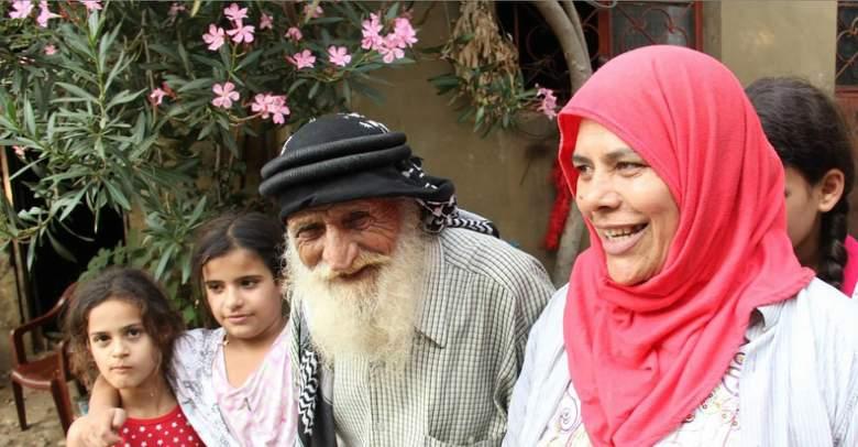 بالفيديو /  لبناني ما زال ينجب رغم بلوغه 117 عاماً!