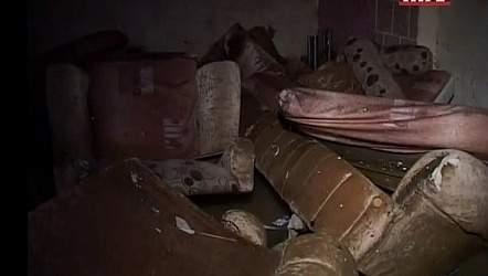 بالفيديو.. بيوت تنهار في طرابلس جراء الأمطار