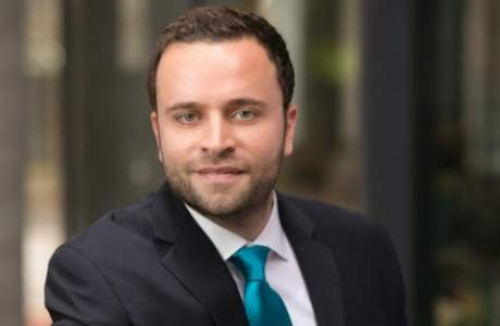 رند غياض.. لبناني آخر يتألق في أميركا ويُمنح الجنسية