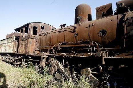 الادعاء على مختلسي أموال السكك الحديد