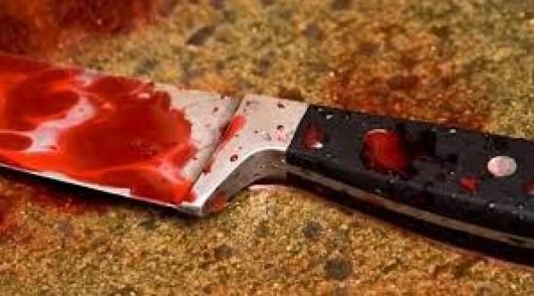 جريمة هزّت السعودية.. فتاة تطعن والدها وتحاول الانتحار