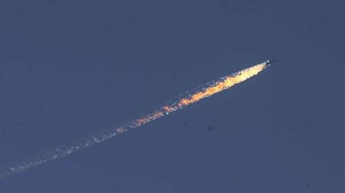 تركيا تعلن اسقاط طائرة عسكرية قرب الحدود السورية التركية