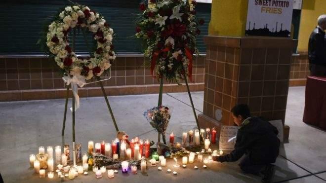 """هجوم كاليفورنيا: العثور على أسلحة بمنزل المهاجمين """"تكفي لقتل المئات"""""""