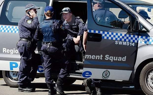 """القبض على شابين في أستراليا بتهمة """"التخطيط لهجوم إرهابي"""""""