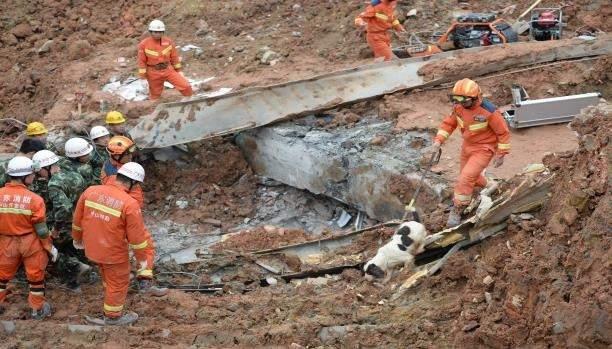 """انتحار مسؤول صيني كبير سابق بعد """"كارثة النفايات"""""""