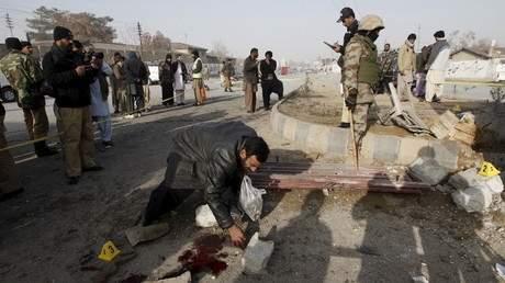 21 قتيلا في هجوم انتحاري في باكستان تبنته طالبان