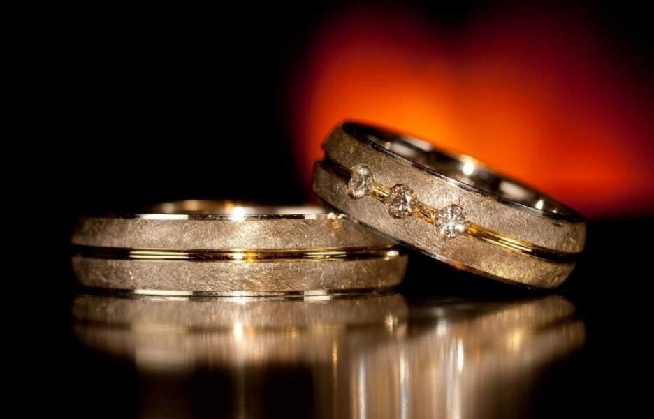 سيدة عربية في الامارات تُفاجأ بعد 20 عاماً من الصبر على بخل زوجها بأن راتبه 75 ألف درهم