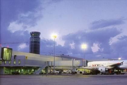 الأسعار الخيالية في المطار: أعلى بـ8 مرات من السعر الرائج