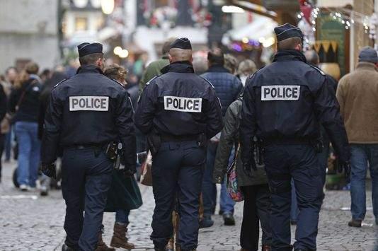 """فرنسا.. اشتباه بهجوم وشيك على """"باري بلاج"""""""