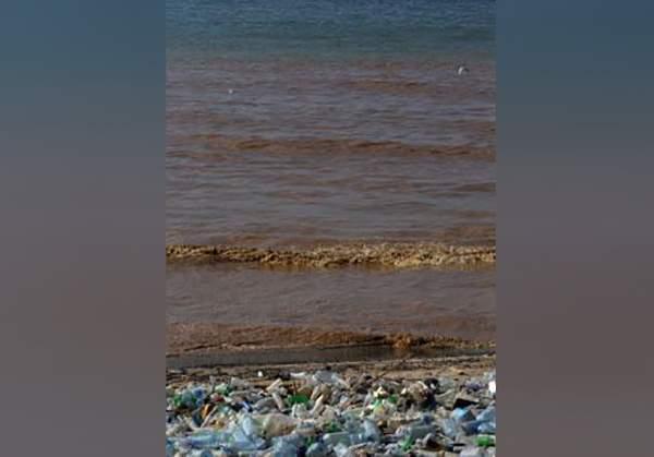 السان سيمون بعد الليطاني: معامل غسل الرمول تلوّث البحر