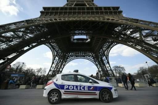 """توجيه تهمة التحضير لإعتداء إرهابي في فرنسا إلى فتاة عمرها 16 عاماً و سلاحها """"التلغرام"""""""