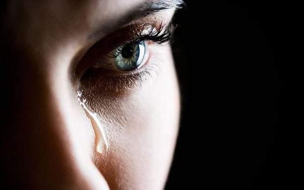 لماذا نبكي بلا سبب؟؟!