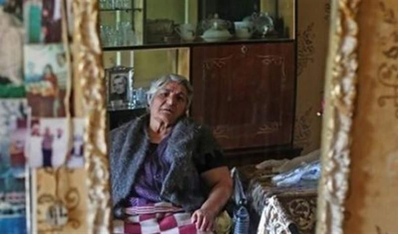 لم تغادر بيتها 10 سنوات.. فجيرانها أغلقوا منفذ الخروج من منزلها
